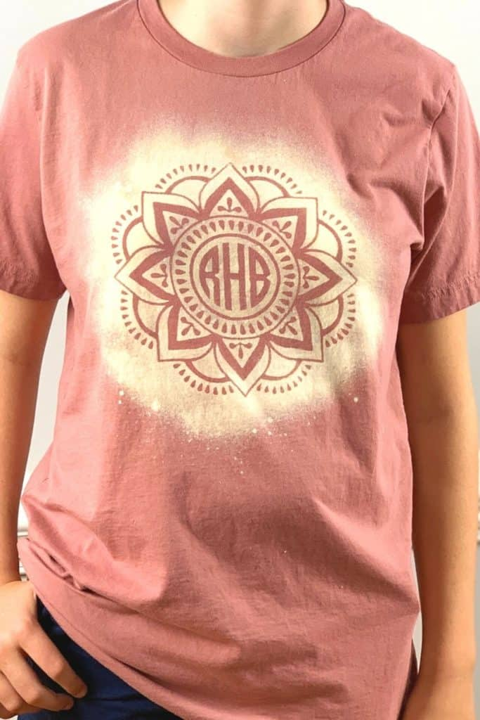 Finished stencil bleach shirt in pink
