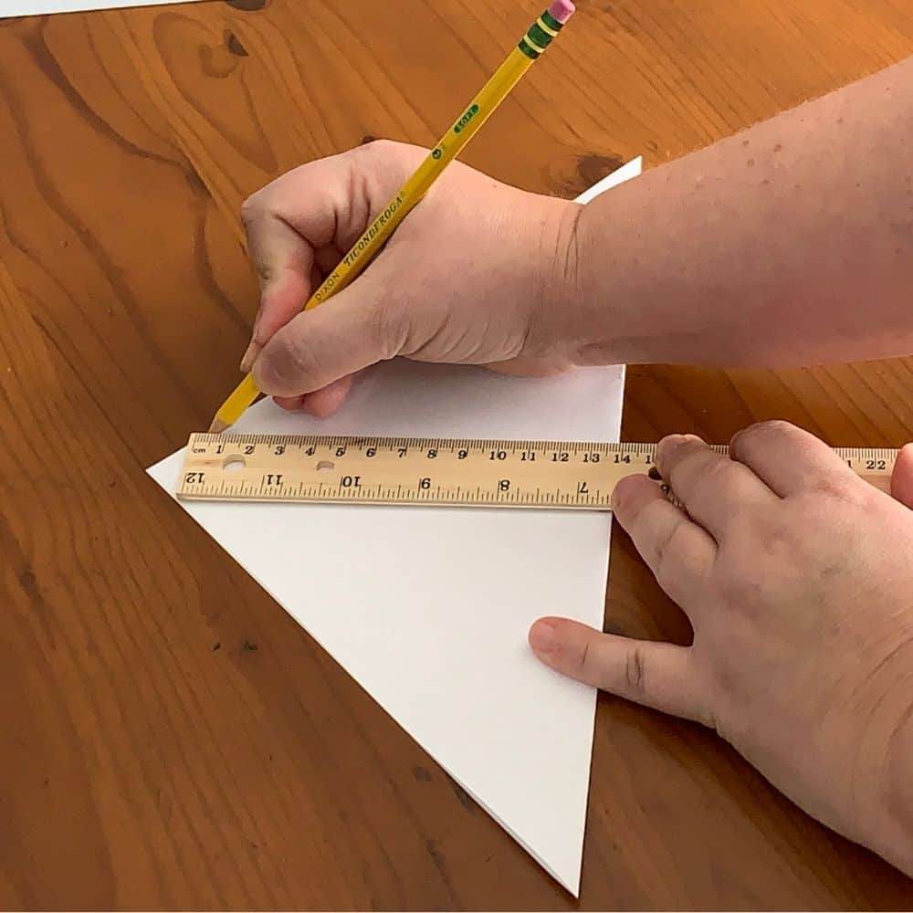 Marking the center of the paper for a 3d snowflake