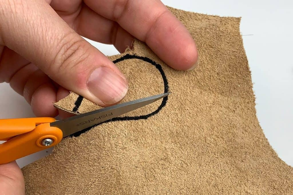 Cutting the leather for your earrings