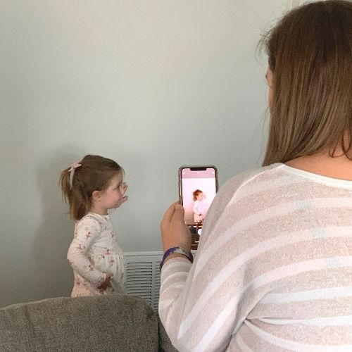 taking the photo for the silhouette portrait