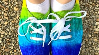 tie dye shoes featured image