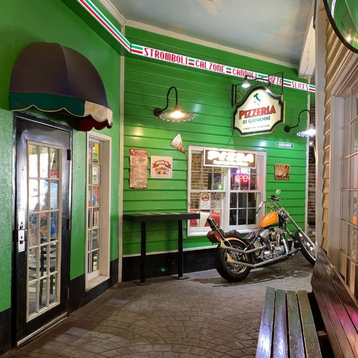 Giovanni's Pizzeria in Charleston, SC